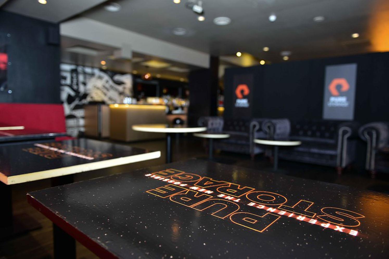 i N8GJ9gM L - Private Star Wars Screening