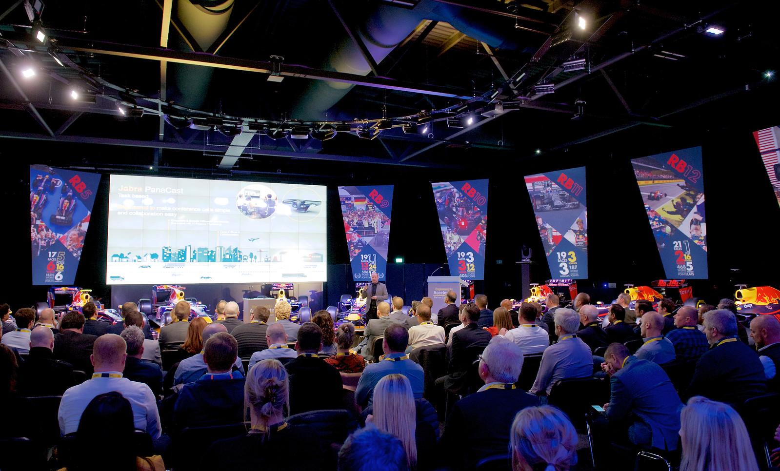 i hx5q8fG X3 - UK&I Channel Partner Conference & Awards Dinner